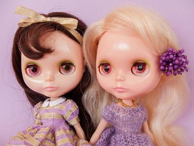 My two Kenner Blythe dolls - brunette and blonde.