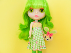 midori-dress-holdingbunny5
